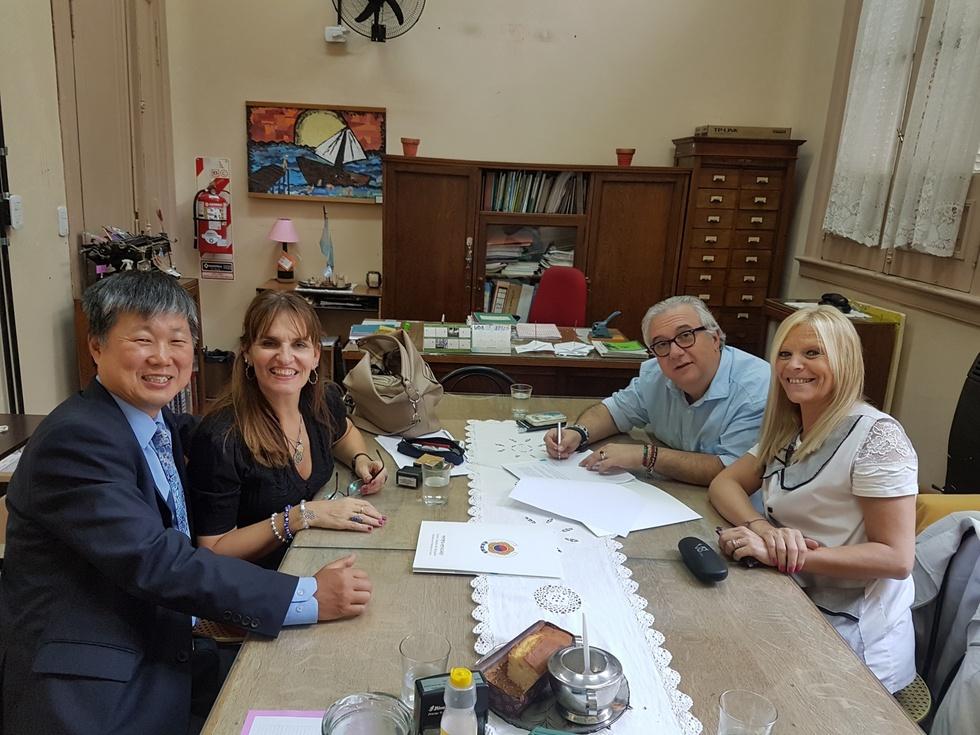 대한민국초등학교 2018학년도 협정 서명식 (4).jpg