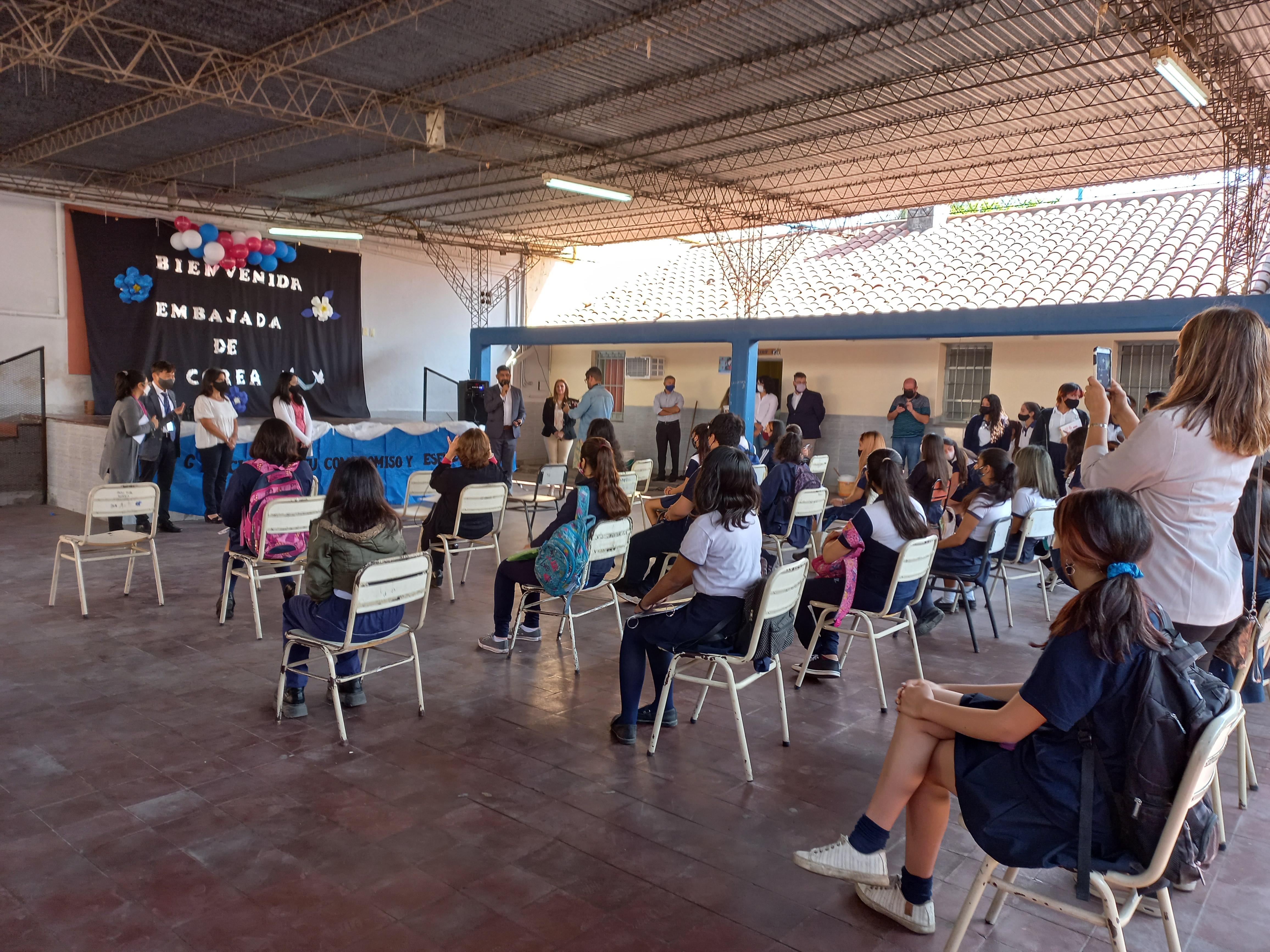 Campos de las Carreras학교 방문 (20).jpg